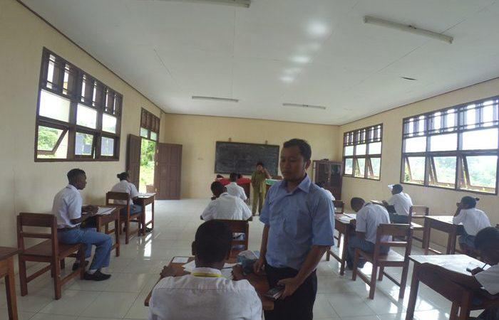 Guru Berjuang Melawan Keterbatasan di Daerah 3 T